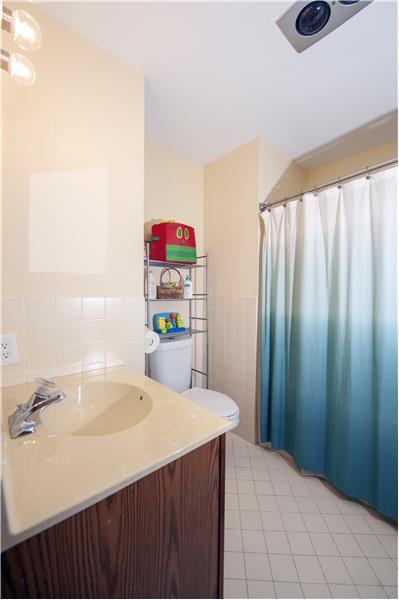 513 Flora Circle Primary Bathroom