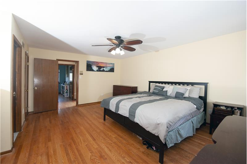 513 Flora Circle Primary Bedroom