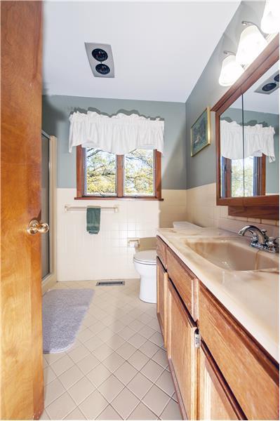 513 Flora Circle Full Bathroom
