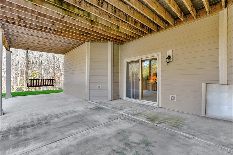 Wonderful, private space ideal for entertaining. Patio area is