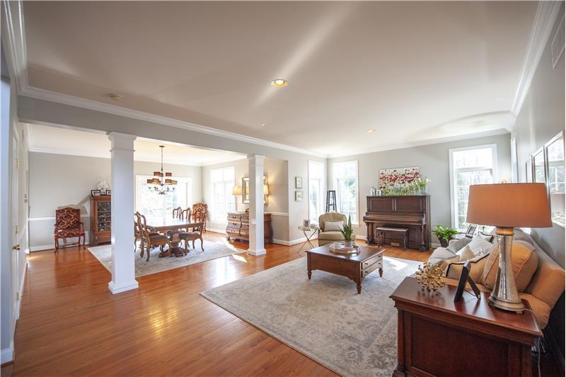 532 Red Fox Lane Living Room