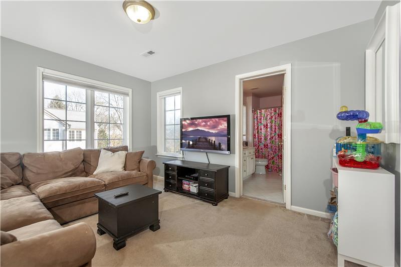 532 Red Fox Lane Bedroom 3
