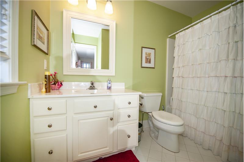 532 Red Fox Lane Bedroom 4 En Suite Bath