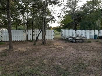 5425 Old Colony Line Rd, Lockhart, TX