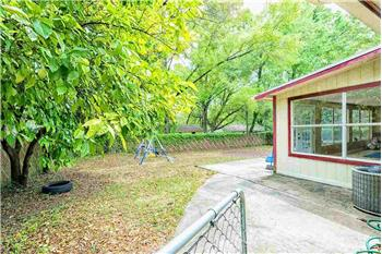 Primary listing photos for listing ID 584248