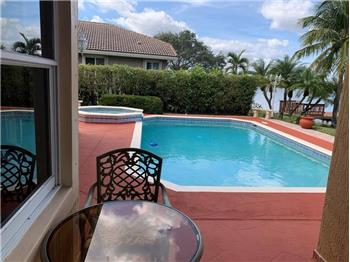 576 NW 120th Dr, Coral Springs, FL