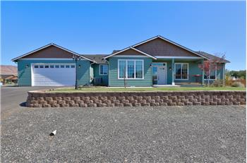 Primary listing photos for listing ID 590703