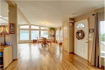 Primary listing photos for listing ID 590959