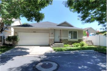 Primary listing photos for listing ID 573991