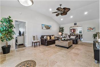 Primary listing photos for listing ID 580099