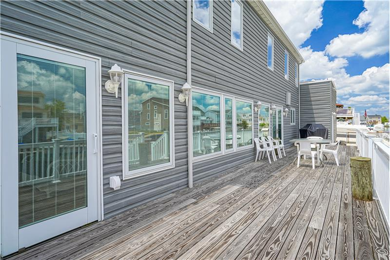 Entertaining Size Decking