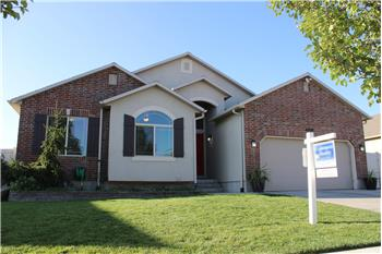 Primary listing photos for listing ID 576765
