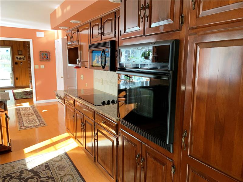 Beautifully maintained cherry cabinets