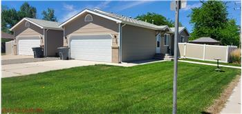 Primary listing photos for listing ID 587486