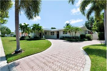 712 Robin Way, North Palm Beach, FL