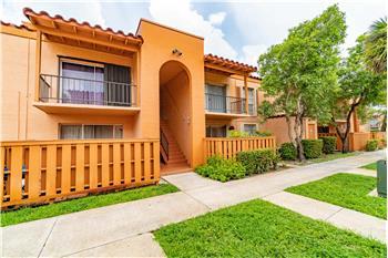7215 Miami Lakes Dr A8, MIAMI LAKES, FL