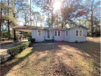 Primary listing photos for listing ID 581996