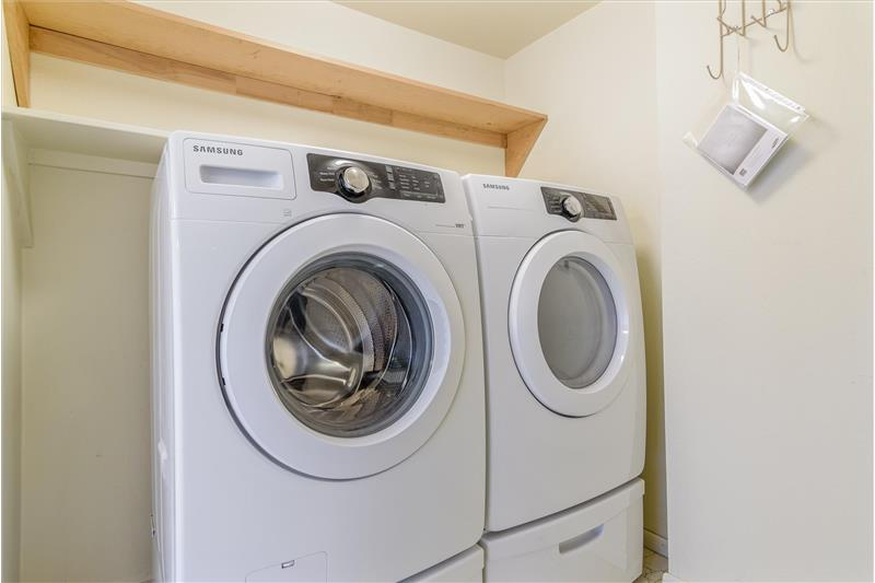 High efficiency Samsung washer & dryer on pedestals are included