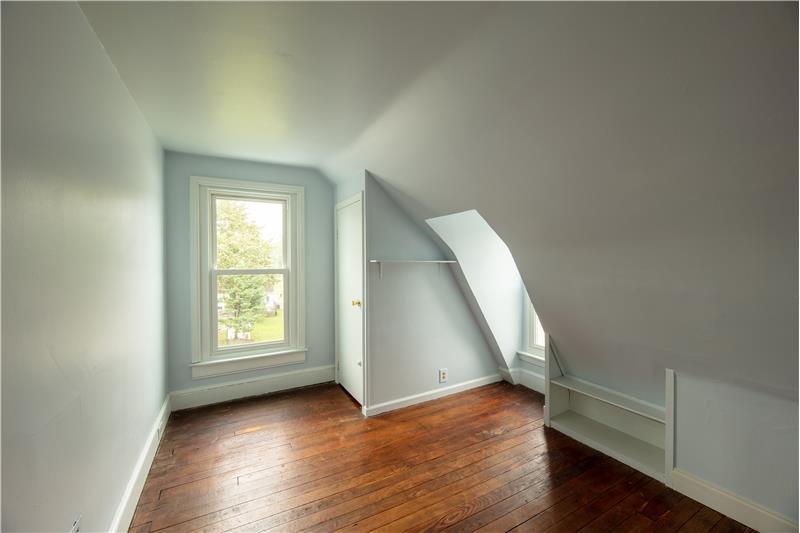 807 Penn Street, Bryn Mawr, 3d Floor