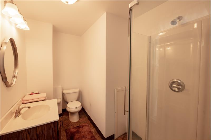 807 Penn Street, Bryn Mawr, Bathroom 1