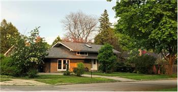 82 Botany Hill Rd, Toronto, ON