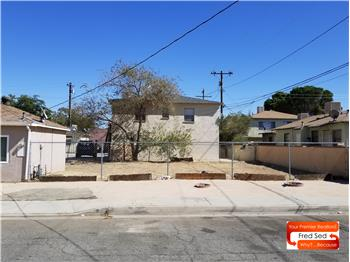 828 W Milling Street, Lancaster,, CA