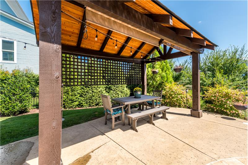 Covered outside dining area just perfect for al fresco dining.