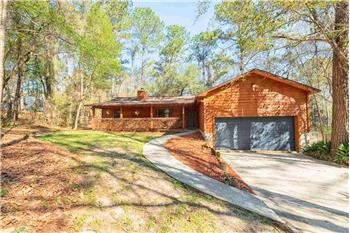 Primary listing photos for listing ID 583796