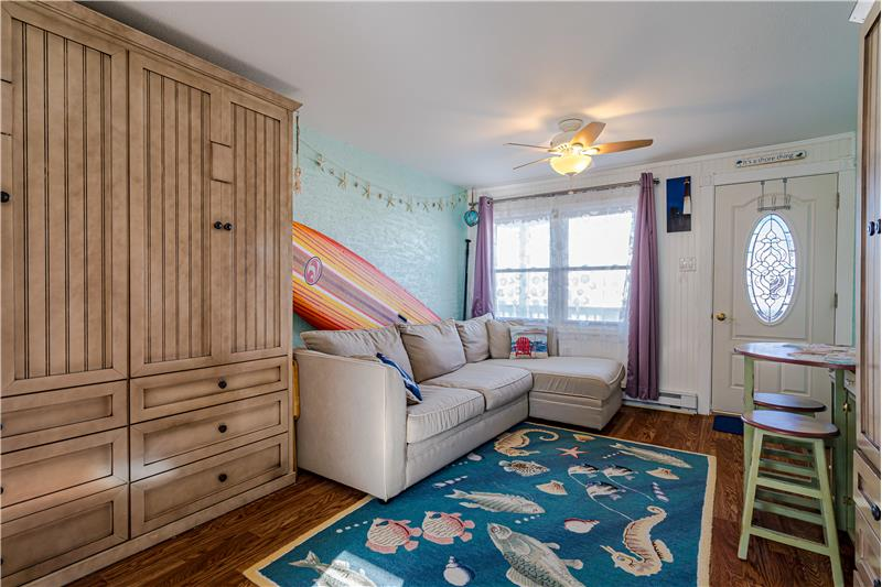 Great Room - Murphy Bed