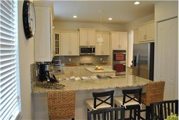 Primary listing photos for listing ID 577583
