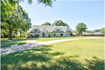 8975 Bridge Forest Drive, Germantown, TN