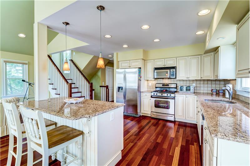 Ample Cabinetry & Counter Space