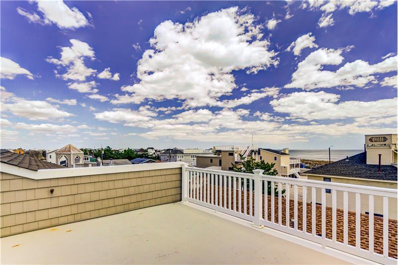Rooftop Deck Oceanviews