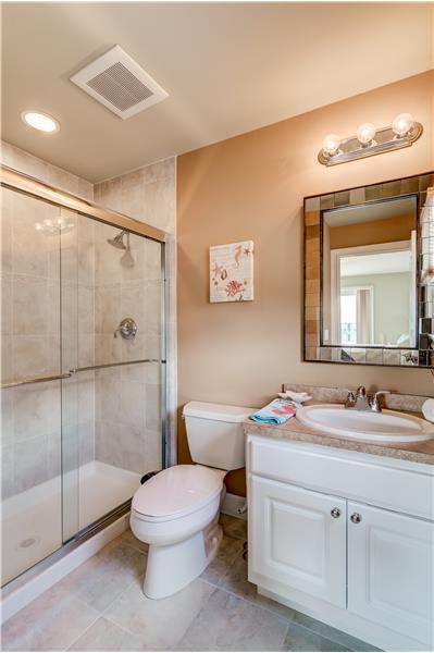 Junior Bath w/Walk-in Shower
