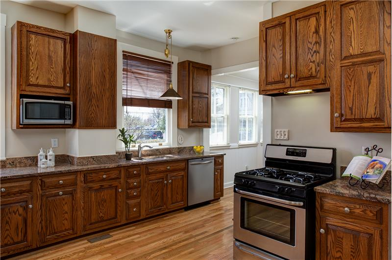 Updated modern kitchen with solid oak cabinetry