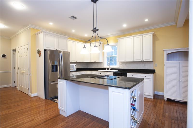 930 Academy Lane Furnished Rental Kitchen