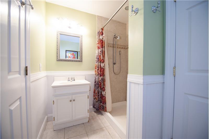 930 Academy Lane Furnished Rental Bathroom