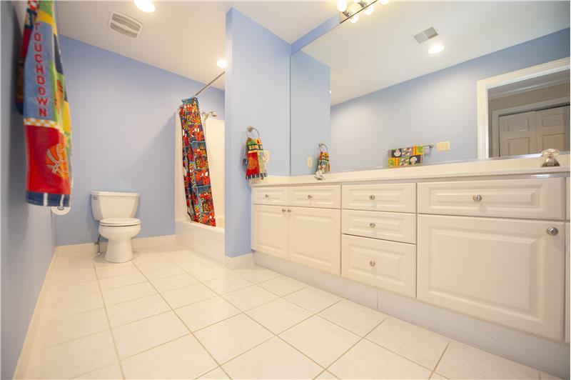930 Academy Lane Furnished Rental Shared Bathroom