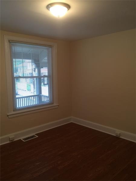 947 Sargent Avenue Empty Living Room