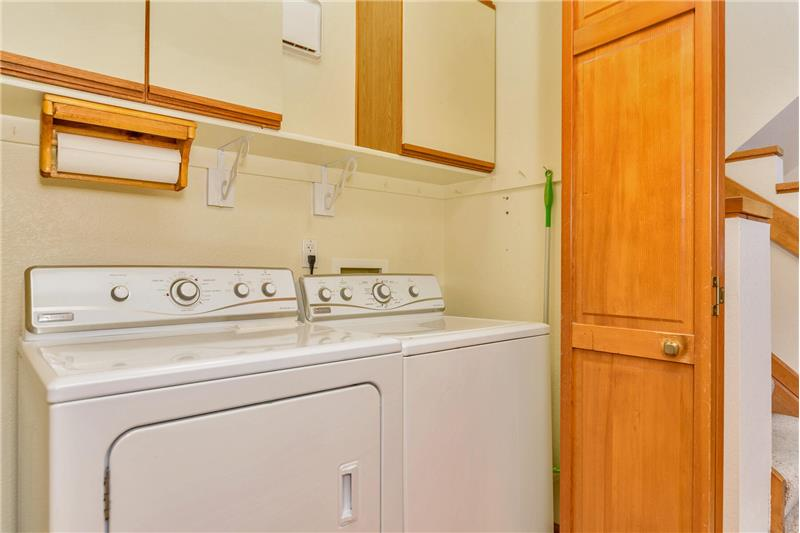 Laundry next to master bedroom - appliances included