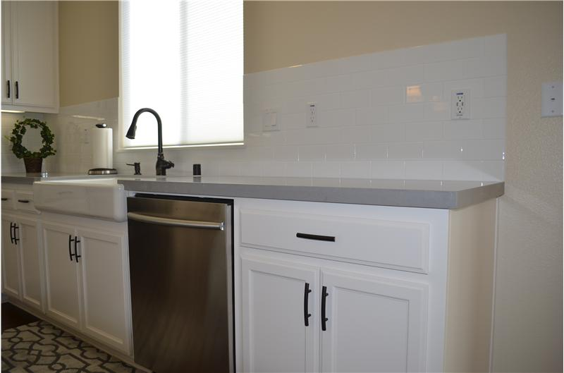 Upgraded Country sink and dishwasher