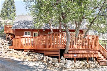 1289 Canyon Rd., Fawnskin, CA