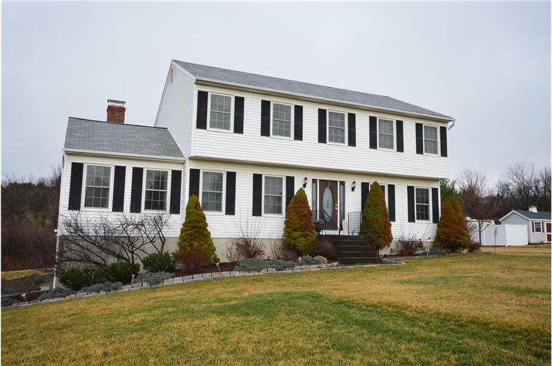 16 Early View Lane, New Milford CT 06776