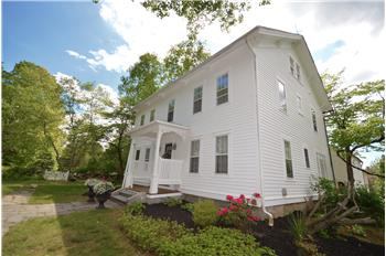 285 Aspetuck Ridge Rd, New Milford, CT