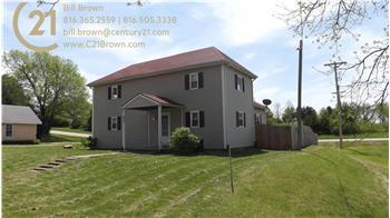 605 E 2nd St, Dearborn, MO