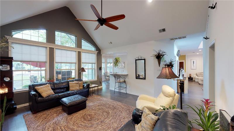 Tall ceilings and natural light