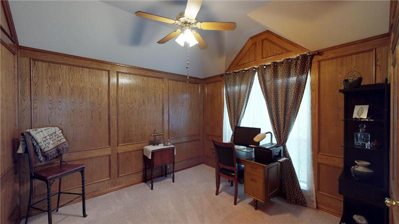 Study or fourth bedroom