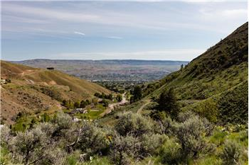 1 Canyon Rd, Wenatchee, WA