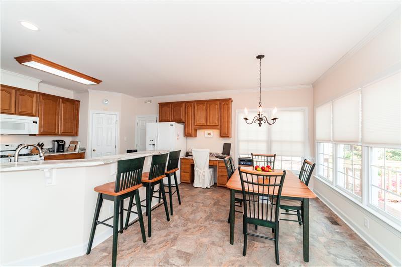 201 Seymour Creek Drive, Cary, NC Breakfast and Kitchen