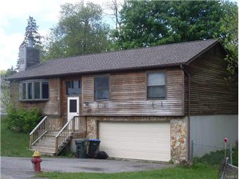 49 Lake Dr, Greenwood Lake, NY